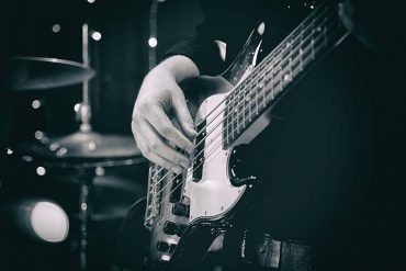Custom WordPress design for online bass guitar lessons